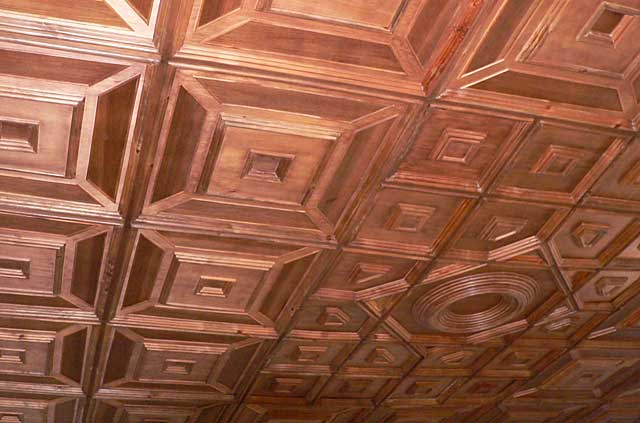 Top quality woodwork decorates this exclusive ceiling